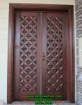 Pintu Kupu Tarung Motif Batik Kawung